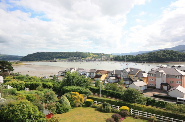 Coastal Countryside Properties in North Wales